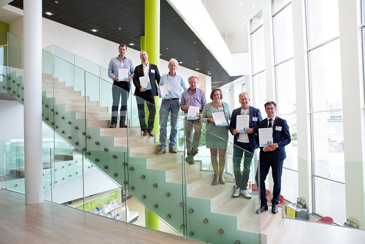 Zeven MVO-certificaten uitgereikt door wethouder Hoogeveen