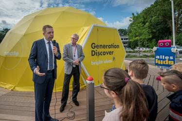 Shell opent Generation Discover bright ideas hub in Emmen