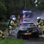 Volkswagen Golf gaat in vlammen op aan de Oostervoortseweg te Norg