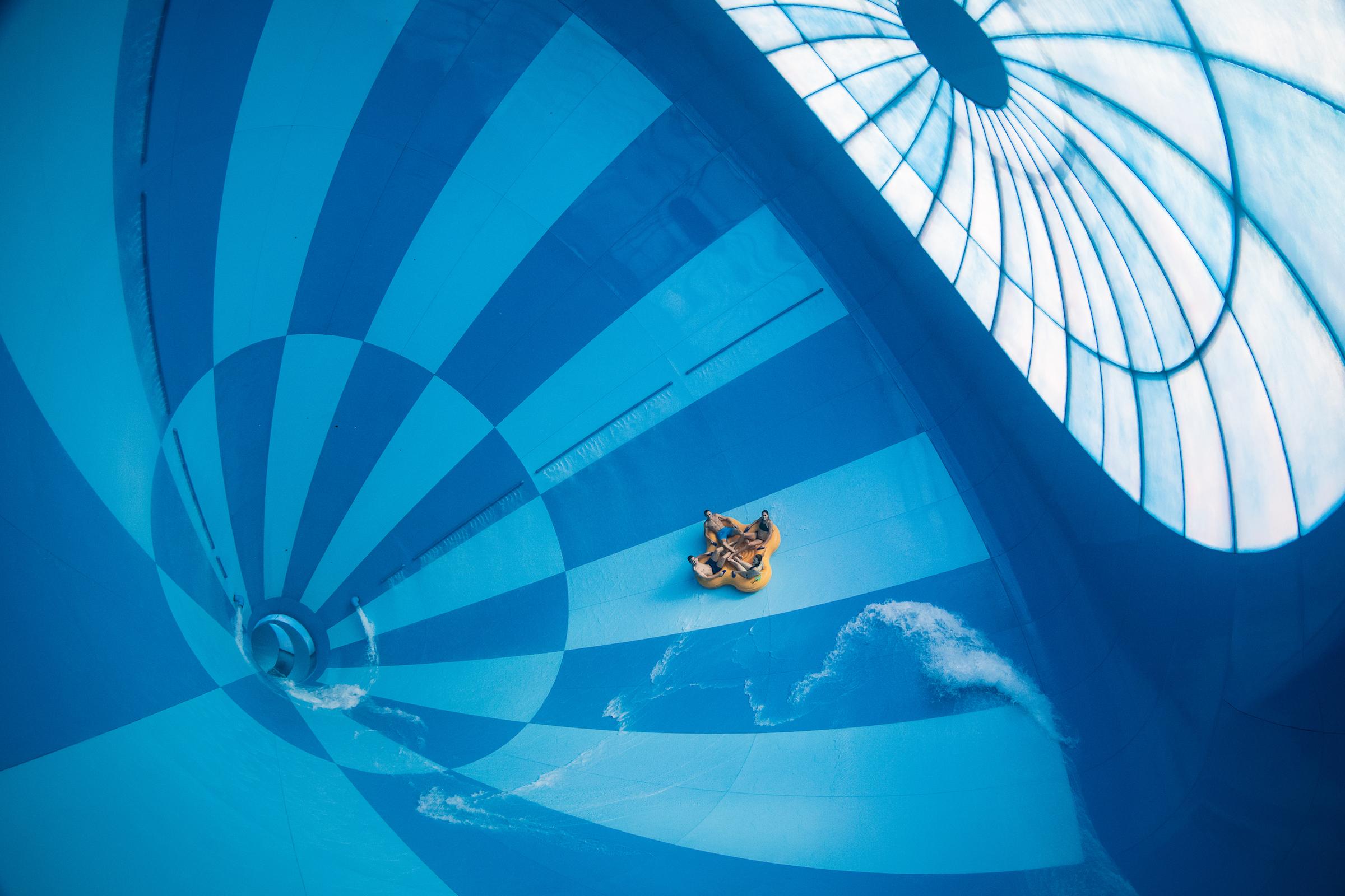 Hof van Saksen creëert ultieme beleving met drie spectaculaire indoor waterglijbanen