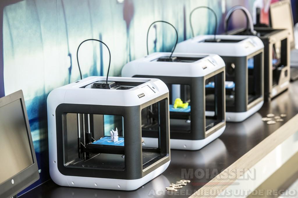 PRINT EIGEN 3D-ONTWERPEN IN HET JACKLAB MET 3D HUBS