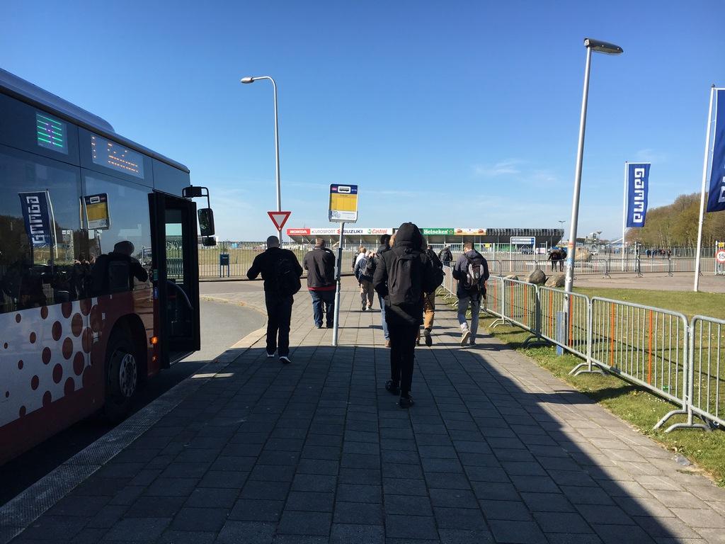 Extra bussen voor bezoekers Gamma Racing Day