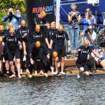 Tweehonderd deelnemers zwemmen tegen ALS in Het Kanaal Assen