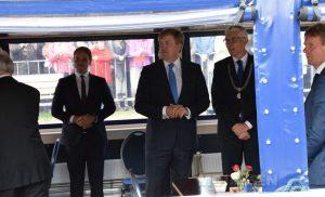 Assen– Koning Willem-Alexander opende vrijdagmiddag de Blauwe As in Assen