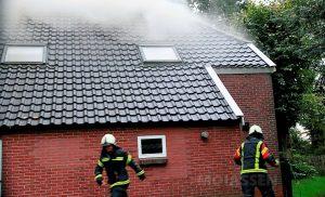 Veel rook bij brand Boerderij in Drouwen