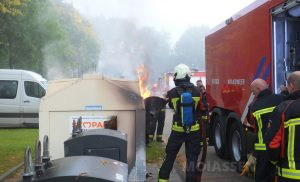 Meerdere brandjes en poging tot brandstichting in Assen