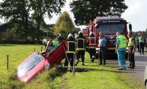 Auto in de sloot op de Laan van Weldadigheid in Veenhuizen