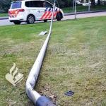 Lantaarnpaal volledig uit de grond gereden in de wijk Marsdijk in Assen