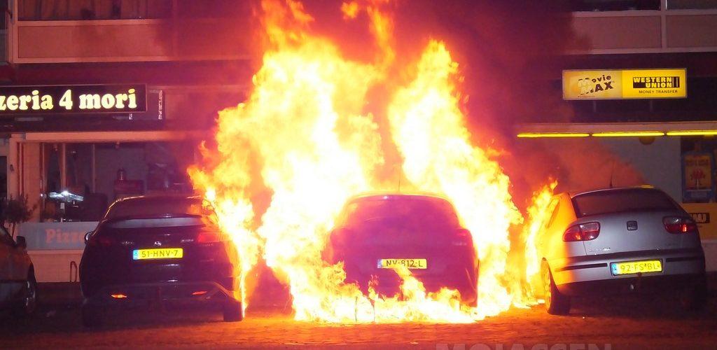 Flat korte tijd ontruimd door autobrand