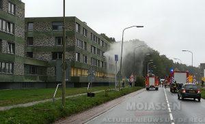 Meerdere verdiepingen ontruimd bij brand in appartementencomplex aan de Overcingellaan in Assen