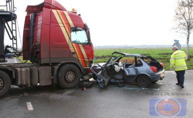Slachtoffer bekeneld bij verkeersongeval Drentse Mondenweg bij Valthermond