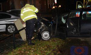 Twee inzittenden van een personenauto gewonden bij ongeval in Eelde