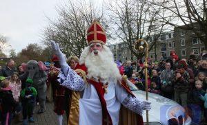 Sinterklaas en zijn Pieten op bezoek in  Kloosterveen / winkelcentrum Peelo Assen (Foto Update)