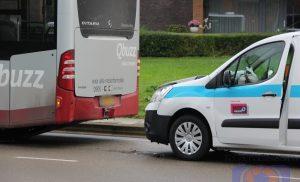 Busje klapt op lijnbus  van Qbuzz in Assen