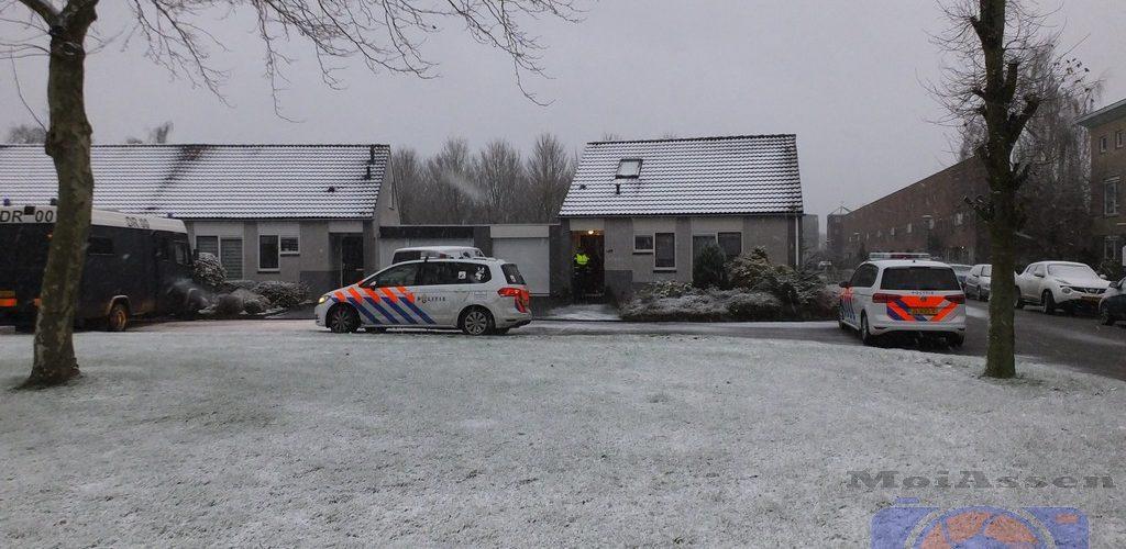 Twee lichamen aangetroffen in een woning aan de Eekhoornslag in de wijk Marsdijk in Assen