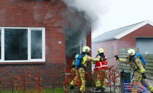 Veel rook bij brand in woning aan de Unikenstraat in Stadskanaal