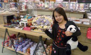 Sovanna wint een jaar gratis chocolade bij Vanderveen