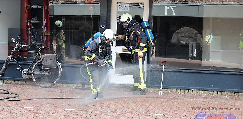 Brandje in voormalige vuurwerkwinkel outlet aan de Groningerstraat in Assen