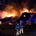 Grote brand bij Erfgoed 't Olde Hof in Westervelde ( Video )