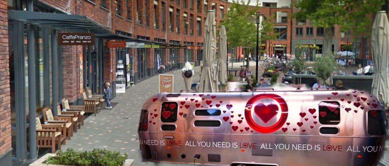 Spreek een leuke videoboodschap in voor jouw lief in de All You Need Is Love caravan