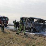 Auto volledig uitgebrand op de A28 bij Afrit Tynaarlo