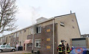 Kortsluiting in oplader zorgt voor brandje in woning aan de Plutostraat Assen