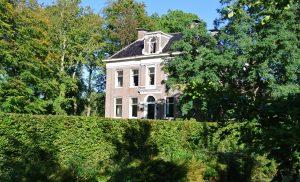 Bustour langs havezaten in Noord-Drenthe 'Huizen van stand'