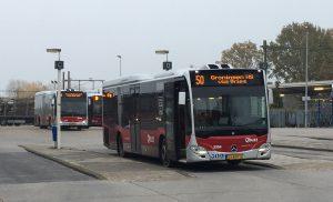 Bussen in Drenthe-Groningen worden drukker; dienstregeling wordt aangepast