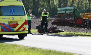 Motorrijder overleden na ongeluk met tractor tussen Borgen en Buinen