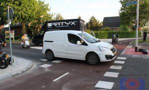Auto rijdt bromfiets aan in Bovensmilde
