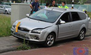 Kop-staartbotsing tussen twee personenauto's op Europaweg-West Assen