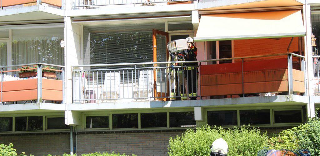 Brandweer rukt uit voor brand in combimagnetron aan Anemoonstraat Assen
