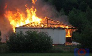 Brand in voormalig strandgebouw op Hof van Saksen Nooitgedacht