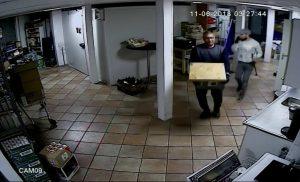Inbrekers stelen kluis bij EkoPlaza Assen