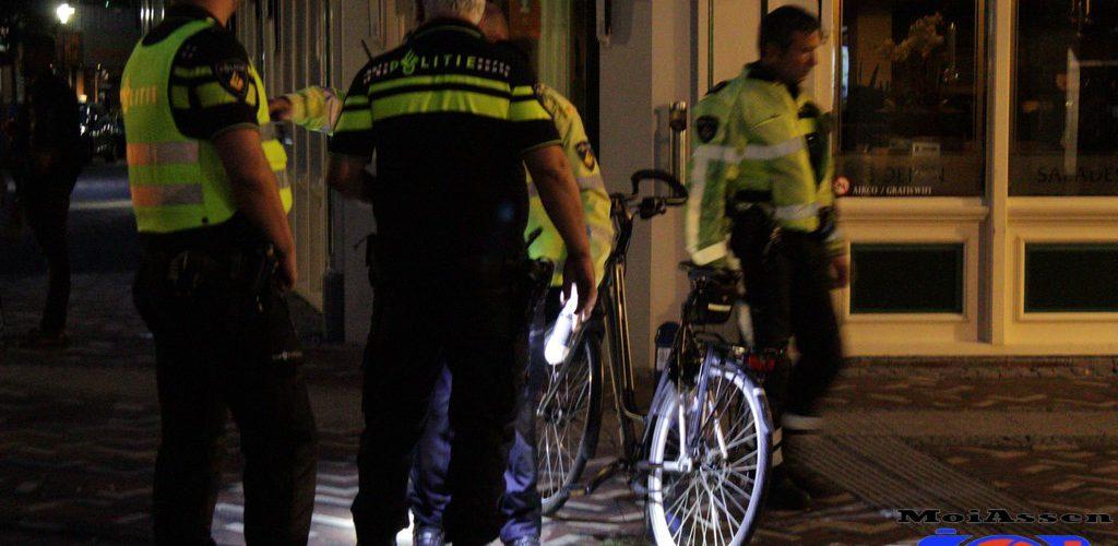 Fietsster gewond na aanrijding met auto in centrum Assen
