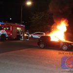 Auto brandt uit op de carpoolplaats in Assen-Noord