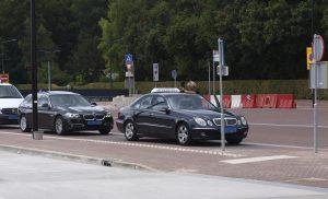 VVD wil dat college deze week de problemen met taxi's bij station oplost