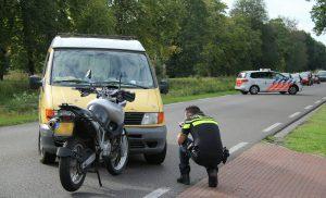 Motorrijder gewond bij ongeval op de Hoofdweg in Veenhuizen