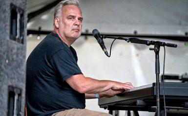 Sunday Evening Blues Jam Paul 'Sugadaddy' van den Berg.