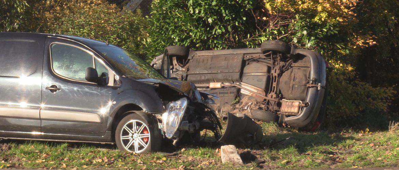 Bestuurder gewond bij ongeluk in Exloërveen