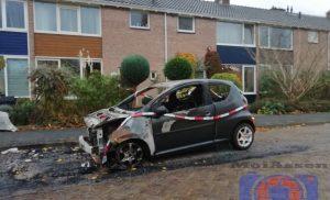 De politie vraagt getuigen van autobrand and in Assen – Oost