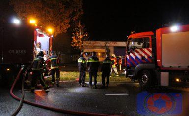 De politie doet onderzoek naar brand bij USA Cars van afgelopen nacht in Assen
