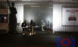 Brand in autobedrijven USA Cars aan de Industrieweg Assen