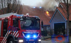 Grote uitslaande brand in woonboerderij aan de Anreperstraat in Assen