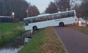 bus Drenthe tours gaat z'n eigen gangetje na vergeten handrem
