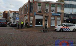 Brandweer van Assen-Oost controleert panden aan de Nijlandstraat in centrum van Assen