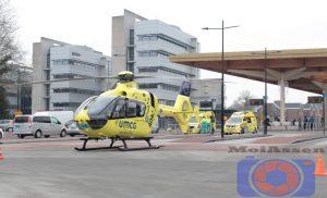 Mobiel Medisch Team (MMT) landt met traumahelikopter bij het station in Assen
