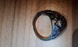 De politie zoekt de eigenaar van ring