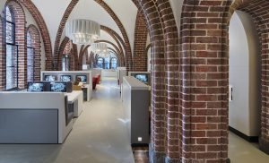 Rondleiding langs de architectuurgeschiedenis van het Drents Archief