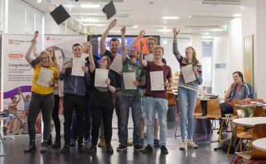 Uitreiking certificaten Cambridge English aan studenten Alfa-college